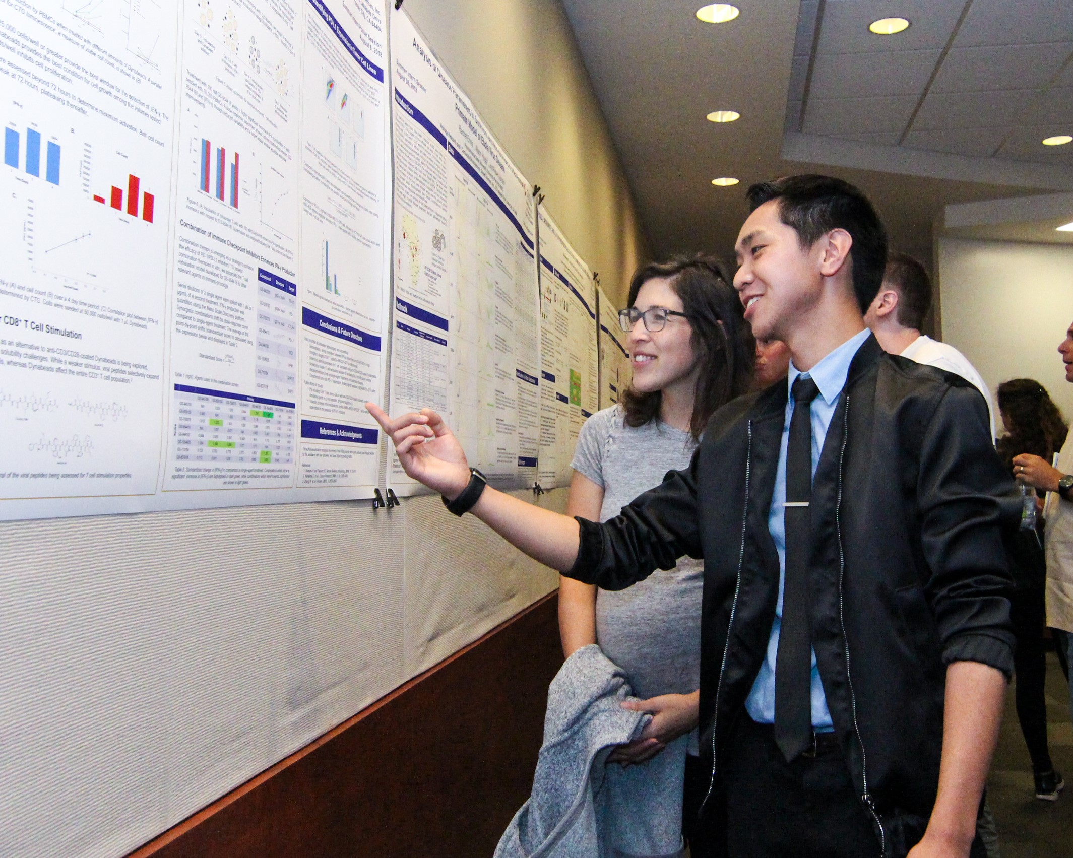 Jonathan Pham, BSPS'19, at Research Forum