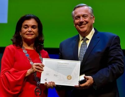 Drs. Carmen Peña and Jim Stevenson